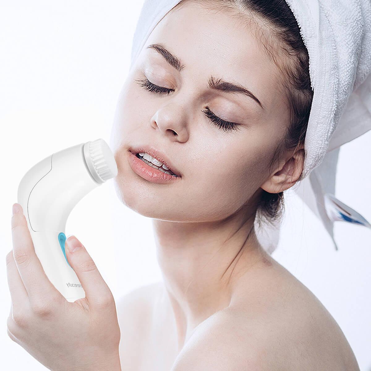 Facial Cleansing Brush, Waterproof Facial Brush Exfoliating Brush with 5 Brush Heads