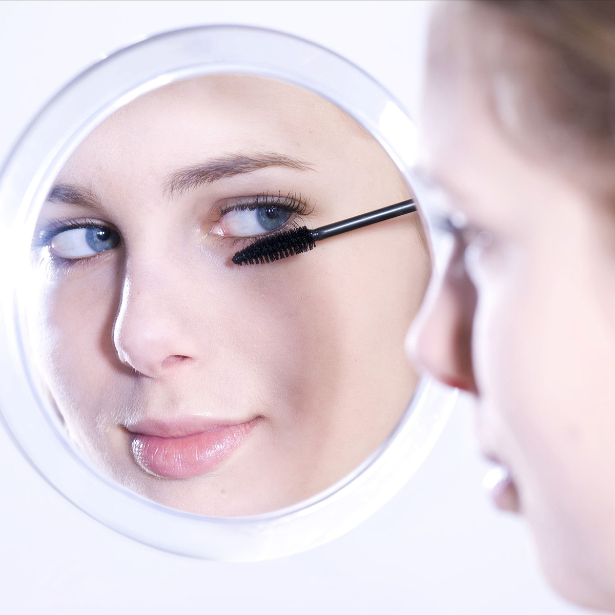 Frcolor 10X Magnifying Mirror with 3 Suction Cups, Cosmetic Make Up Mirror Pocket Mirror 5.9 Inch (White)